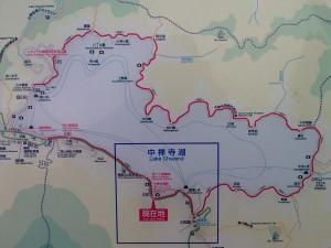 Carte de l\'itinéraire de randonnée autour du lac de Chuzenji à Nikko au Japon