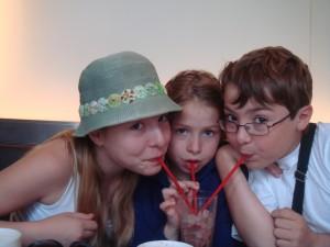 Trois pailles pour un verre