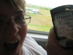 Igor mesure le record de vitesse du Hikari Shinkansen Nagoya-Tokyo avec le GPS