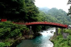 Le pont sacré Shinkyo à Nikko au Japon