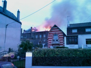 L\'incendie vu depuis la rue Pierre Brossolette